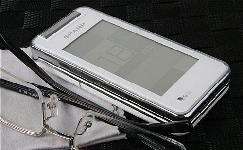 มือถือญี่ปุ่น มือถือฝาพับ กันน้ำ Sharp SH6228C