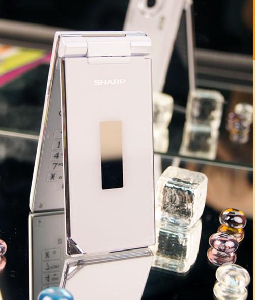 Sharp SH7218U White - Omega Gadget 5