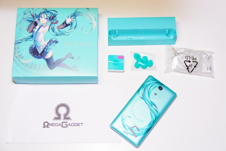Docomo SO-04E Sony Xperia A Hatsune Miku รีวิว อุปกรณ์เสริม