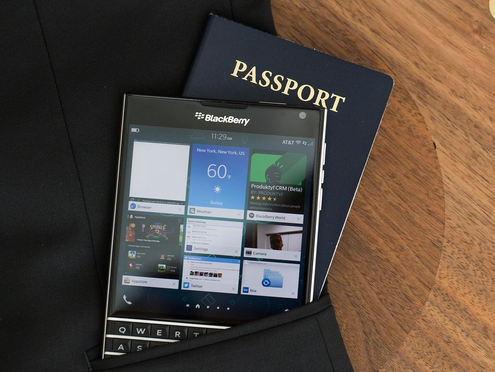 BlackBerry Passport - Omega Gadget 1