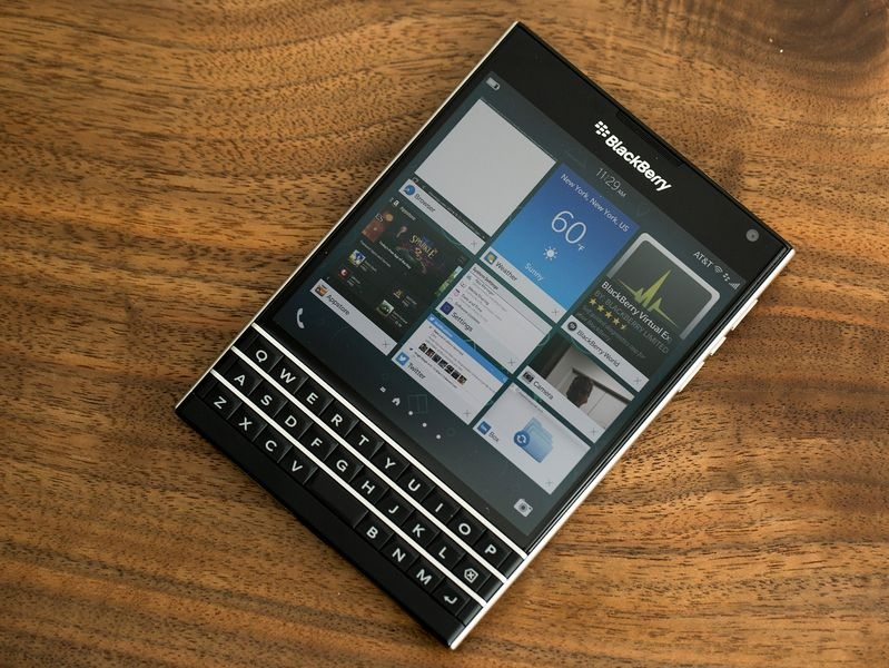 BlackBerry Passport - Omega Gadget 2