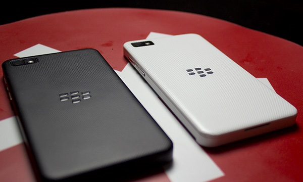 Blackberry Z10 - Omega Gadget 10